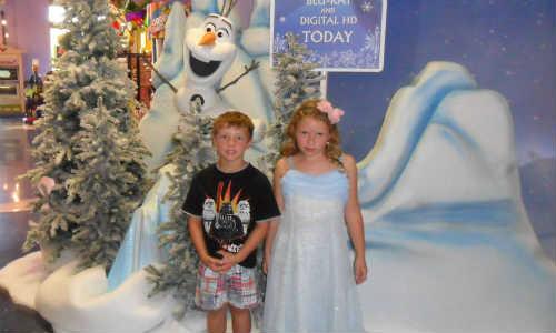 Downtown Disney Frozen Party