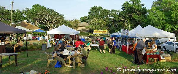 Edgewood Farmer's Market - photo by J.M. Wetherington