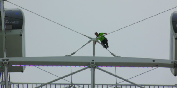 Nik Wallenda Sets Record with Walk on The Orlando Eye
