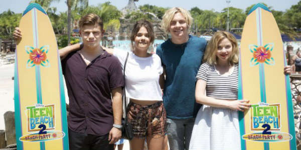 Teen Beach 2 cast