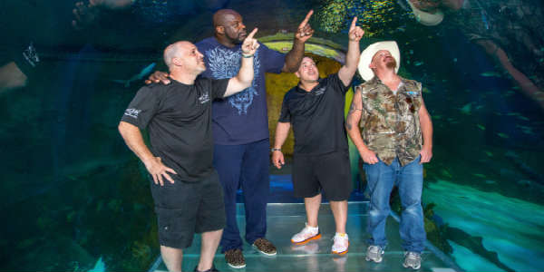 Tanked stars Wayde King and Brett Raymer join Shaquille O'Neal at SEA LIFE Orlando Aquarium