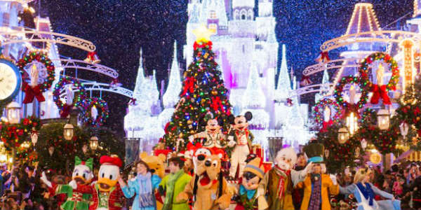 mickeys very merry christmas party - When Does Disney Decorate For Christmas 2017