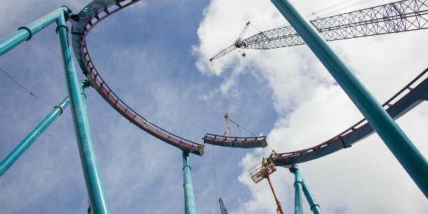 SeaWorld Orlando Installs Final Piece of Mako Track