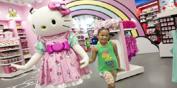 Hello Kitty Shop Opens at Universal Orlando
