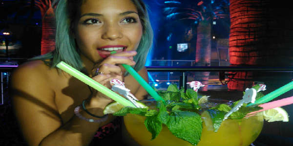 Mango's Orlando - jumbo drink