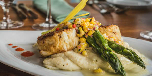 Hemingway's debuts Flavors of Summer Menu at Hyatt Regency Grand Cypress