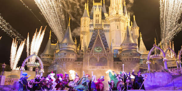 Hocus Pocus Villain Spelltacular at Mickey's Not-So-Scary Halloween Party