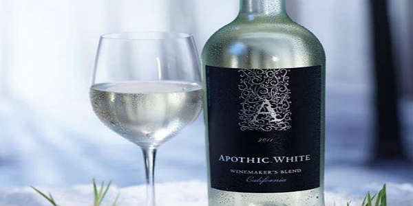 Apothic White—the white wine with darker motives—will reprise its coveted role as the official US wine partner for the 2016 season of Le Dîner en Blanc events