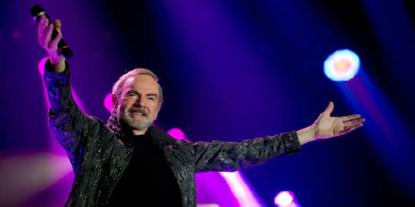 Neil Diamond Brings 50 Year Anniversary World Tour to Tampa's Amalie Arena April 23, 2017