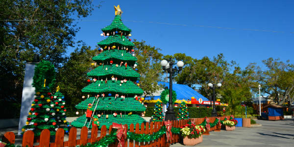 Christmas Bricktacular Returns to LEGOland Florida. Photo by Kirk Garreans for CitySurfing Orlando.