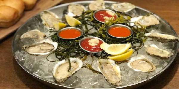 Oysters at Paddlefish at Disney Springs