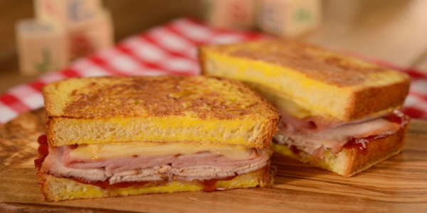Monte Cristo sandwich at Woody's Lunch Box at Toy Story Land