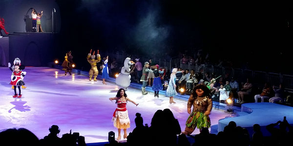 Read our review of Disney On Ice presents Mickey's Search Party on the production's first show this weekend at the Amway Center. Photo by Carol Garreans for CitySurfing Orlando.