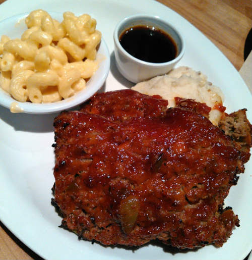 Cheddar's Scratch Kitchen - Better Than Mom's Meatloaf