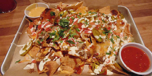 Cheddar's Scratch Kitchen - Texas-Sized Nachos