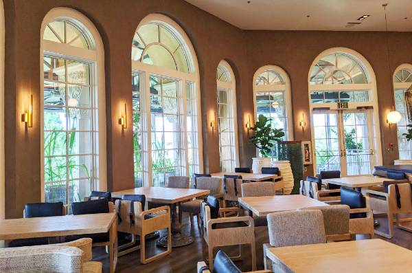 Interior of Knife and Spoon at Ritz-Carlton Grande Lakes - photo by Anna-Marie Walsh for CitySurfing Orlando