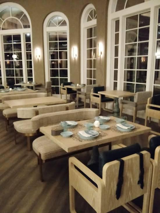 Knife & Spoon at The Ritz-Carlton Orlando Grande Lakes - Dining room